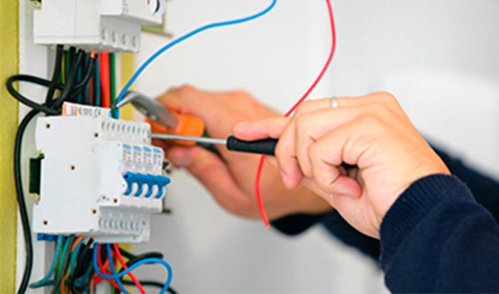 Presupuesto instalación eléctrica Valencia profesional