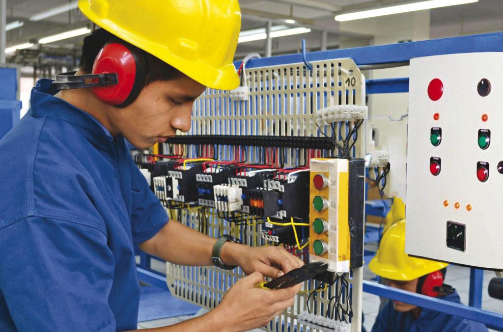 Servicio de reparaciones eléctricas Benimaclet y Valencia