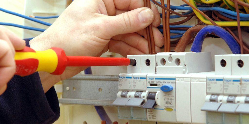 Electricista autorizado Benimaclet con experiencia