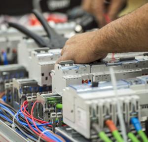 Servicios de venta de material eléctrico Valencia profesional