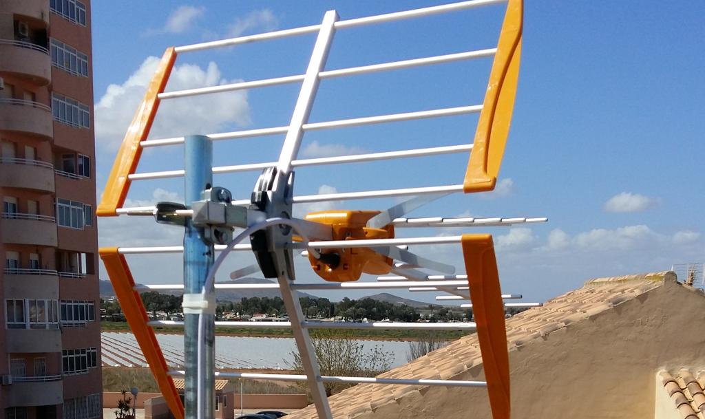 Montaje de antenas parabólicas tdt Valencia de calidad