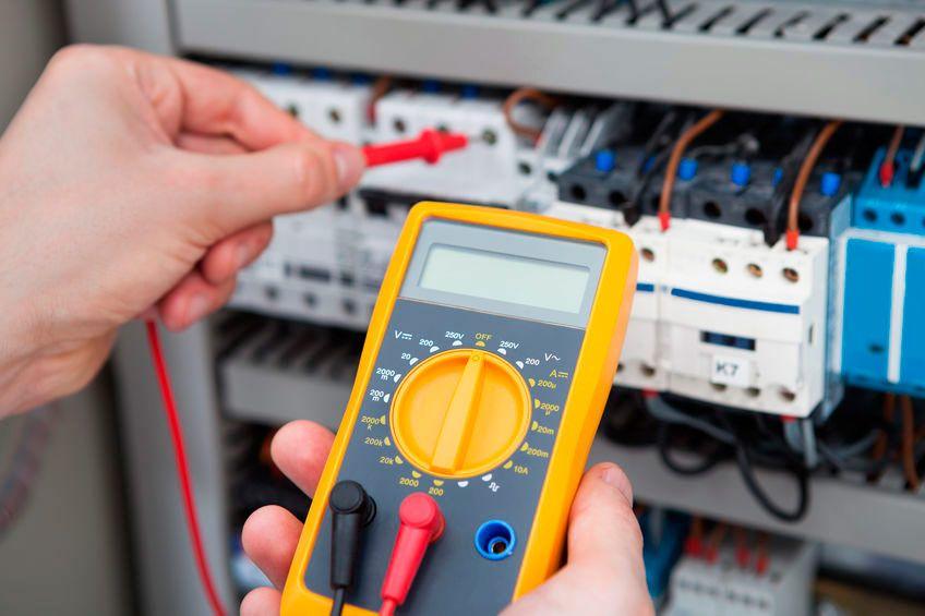 Servicio de reparaciones eléctricas Valencia profesional