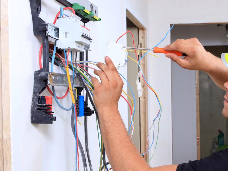 Empresa de reparaciones eléctricas Valencia profesional